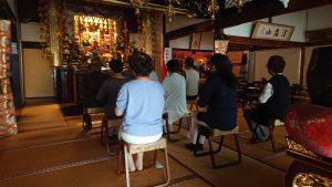 唱題行体験と講話(妙延寺)